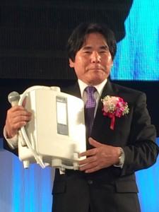 Oshiro Met K8 in 2014_SMALL